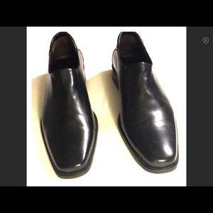 Relisting loafer by Donald J Pliner sz 9